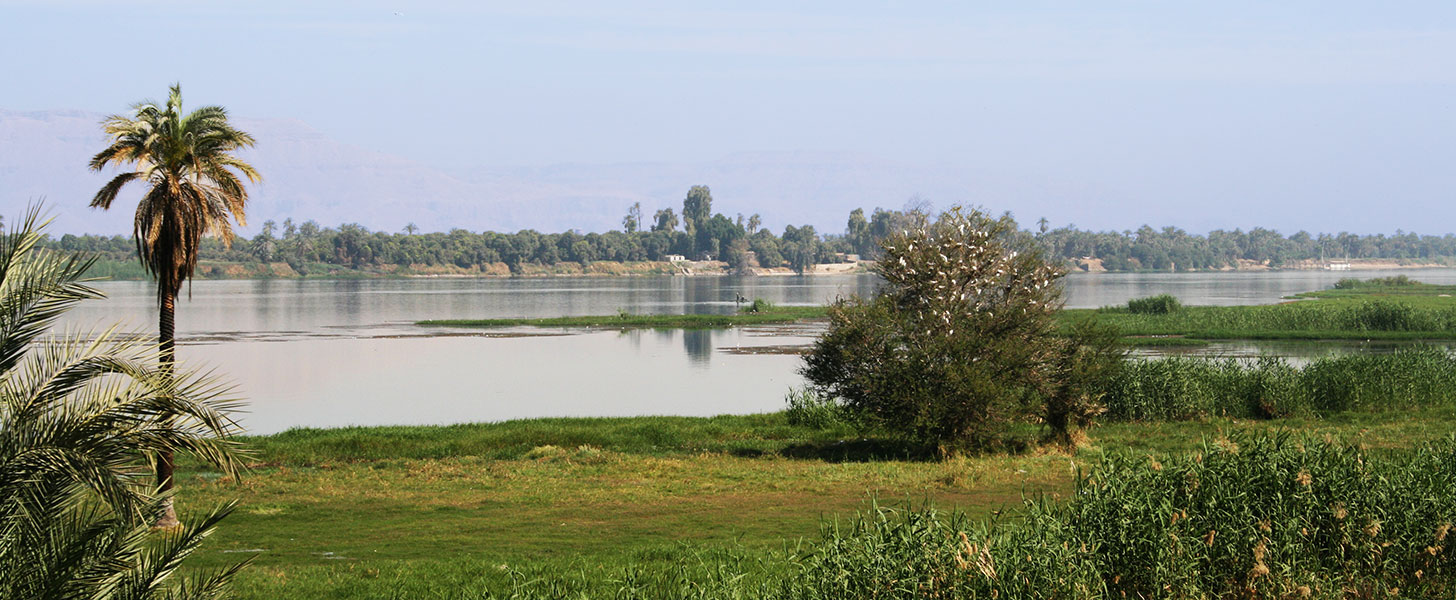 The river Nile at Luxor, ancient Thebes, towards the West Bank.